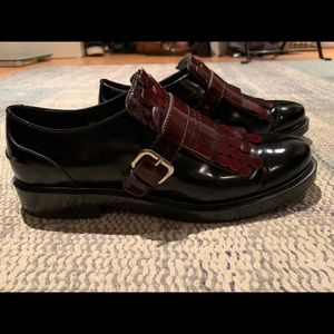 Women's Size 39 Tods Loafers with Kilt